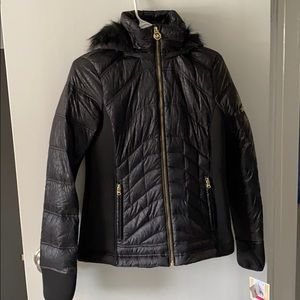 NWT Michael Kors quilted puffer w hood